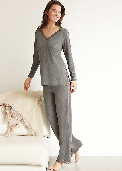 Janira Lace Urban Pyjama Set
