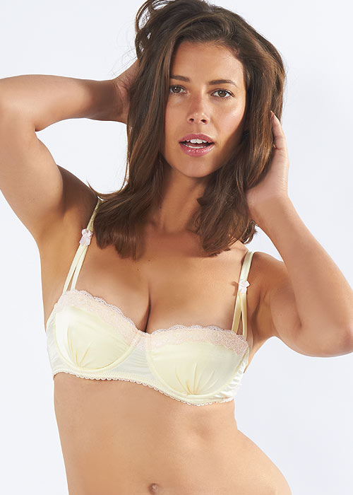 Shop the sexiest and best-fitting bras today at Victoria's Secret. Find the perfect bra fit for you from a wide selection of styles.