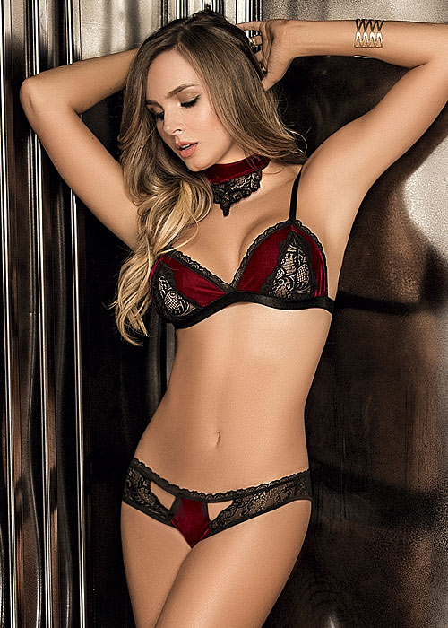 Mapale Soft Touch Velvet Bralette with Matching Brief And Choker