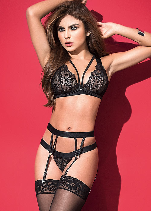 Mapale The Seductress Strappy Bra with Matching Thong And Garter Belt