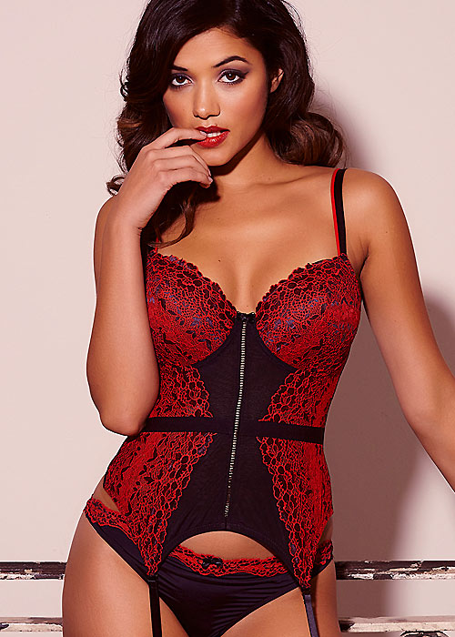 Pour Moi Fever Black And Red Basque